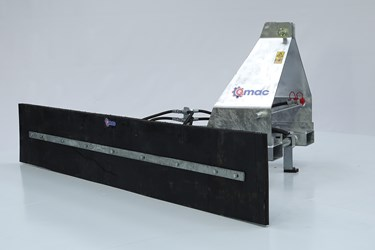 QMAC 210 HYDR SCHUIN CAT2 + LEPELINSTEEK