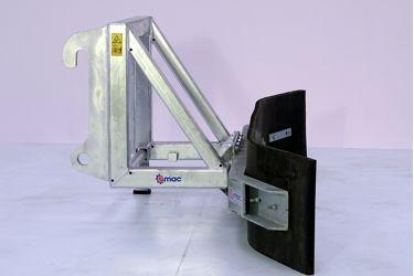 QMAC 210 SCHUIF VAST ATLAS AR95