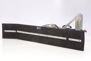 QMAC 240 HYDR SCHUIN + HOEK BOBCAT BORD